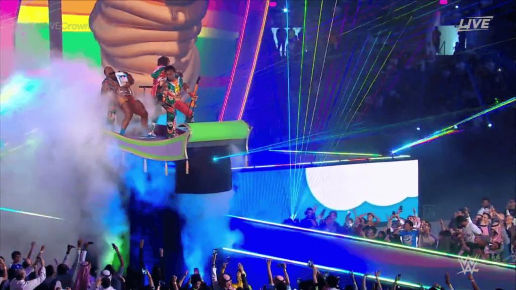 Ein fliegender Teppich bei WWE Crown Jewel