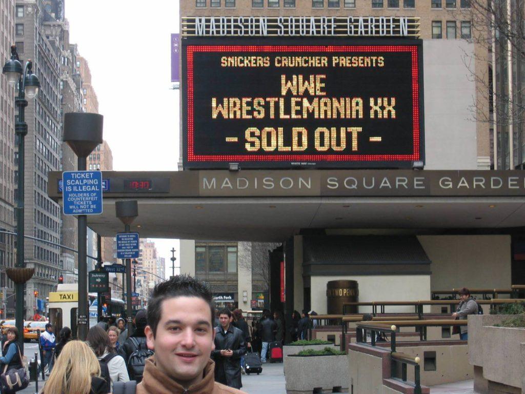 WrestleMania XX: Dennis vor dem Madison Square Garden