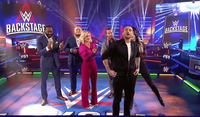 CM Punk debütiert bei WWE Backstage