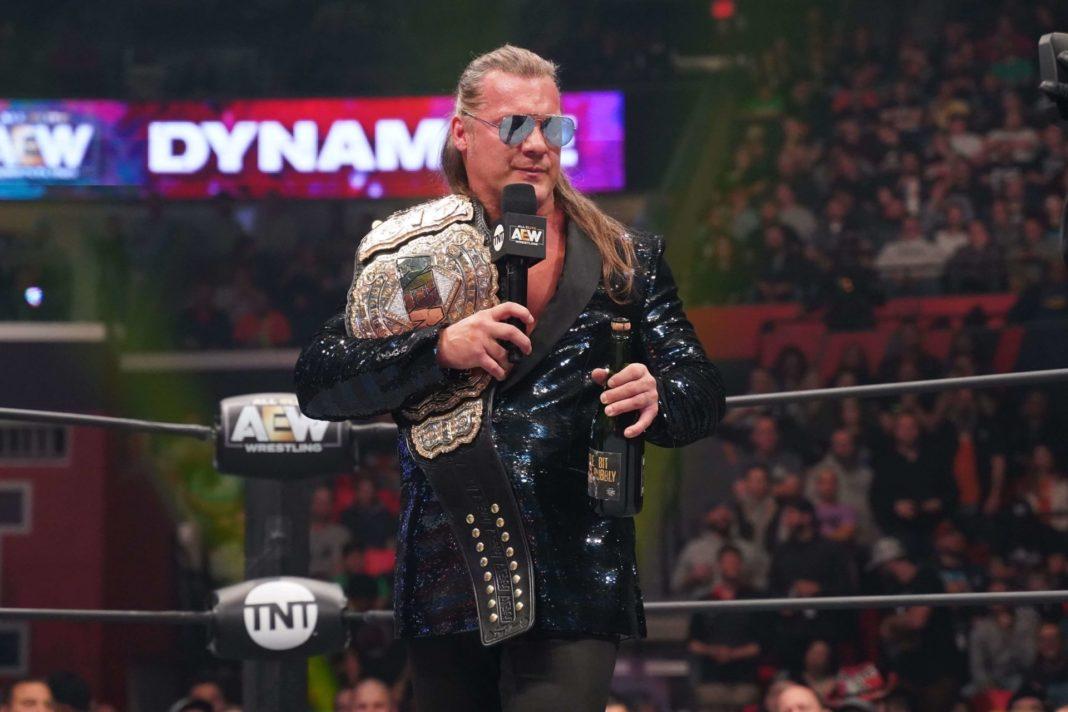 Ein Grund zum Feiern mit AEW-Champion Chris Jericho (Foto: Lee South, AEW)