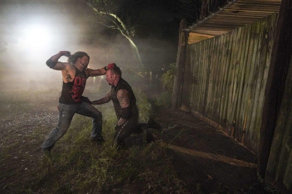 Das Boneyard Match bei WWE WrestleMania 36 - (c) 2020 WWE. All Rights Reserved.