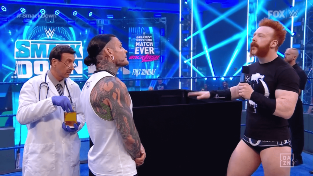 Muntere Urinprobe bei WWE SmackDown (12.6.20) - Bild: (c) 2020 WWE. All Rights Reserved.