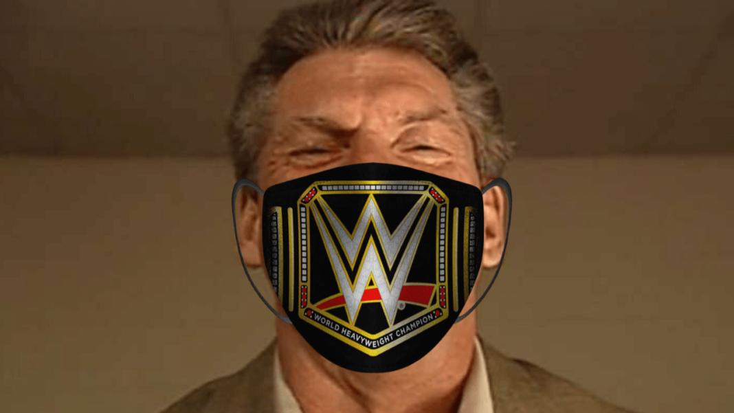 Photoshop Philipp hat WWE-Boss Vince McMahon eine Maske aufgesetzt