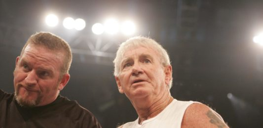 "WWE Hall of Famer ""Bullet"" Bob Armstrong und sein Sohn ""Road Dogg"" Brian James"