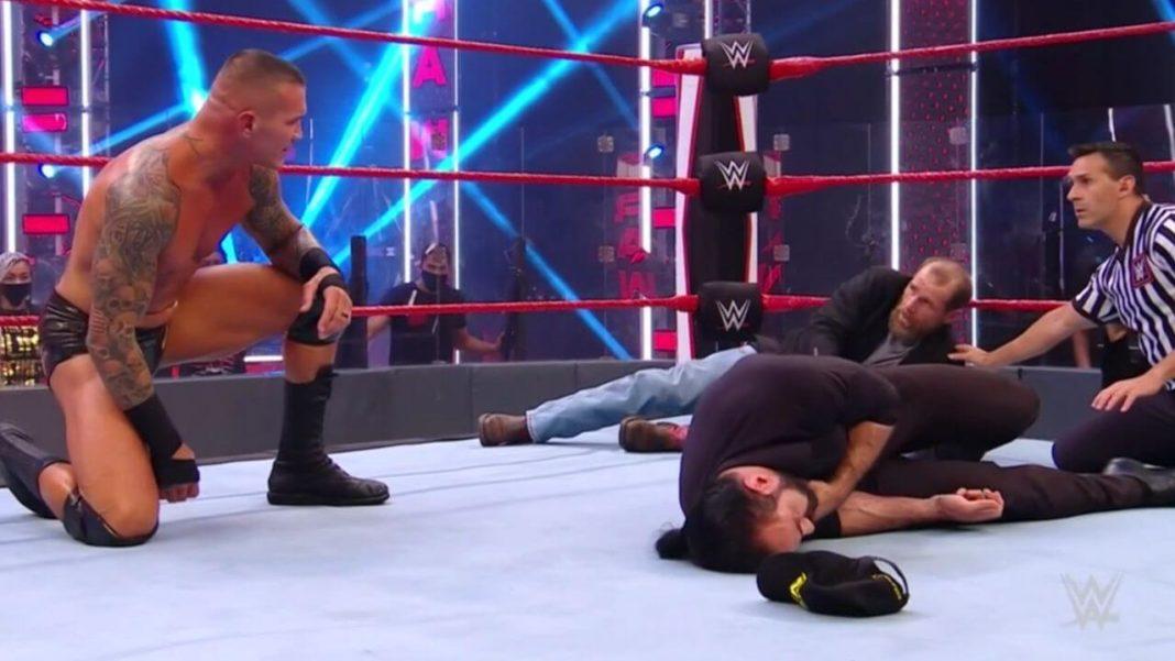 Randy Orton hat bei WWE Raw Shawn Michaels und Drew McIntyre niedergestreckt - (c) 2020 WWE. All Rights Reserved.