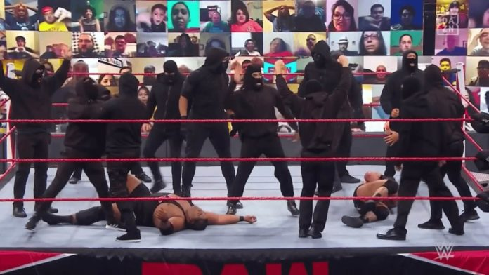 Retribution-Chaos im Main Event von WWE Raw am 14. .September 2020 - (c) 2020 WWE. All Rights Reserved.