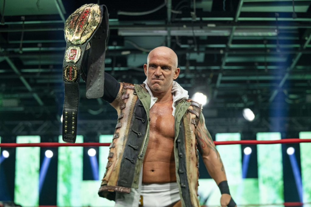 Eric Young im Sommer 2020 als IMPACT World Champion