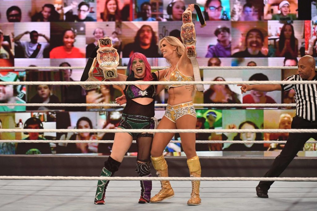 Charlotte Flair und Asuka sind WWE Women's Tag Team Champions - WWE TLC 2020 - (c) 2020 WWE. All Rights Reserved.