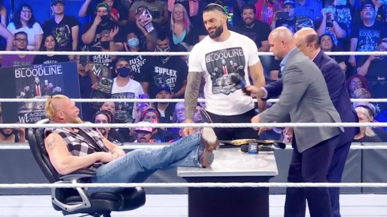 """Brock Lesnar und Universal Champion Roman Reigns unterschreiben für """"Crown Jewel"""" - WWE SmackDown vom 15. Oktober 2021 - Foto: (c) WWE. All Rights Reserved."""